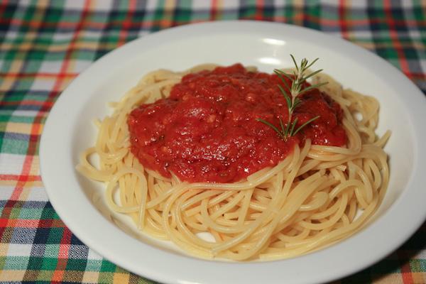 Spaghetti al romaní, recepta pel Gran Recapte d'Aliments