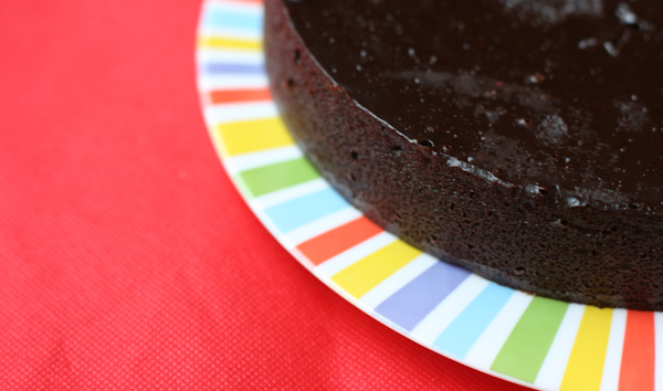 Pastís de xocolata molt fàcil. Celebrant 7 anyets